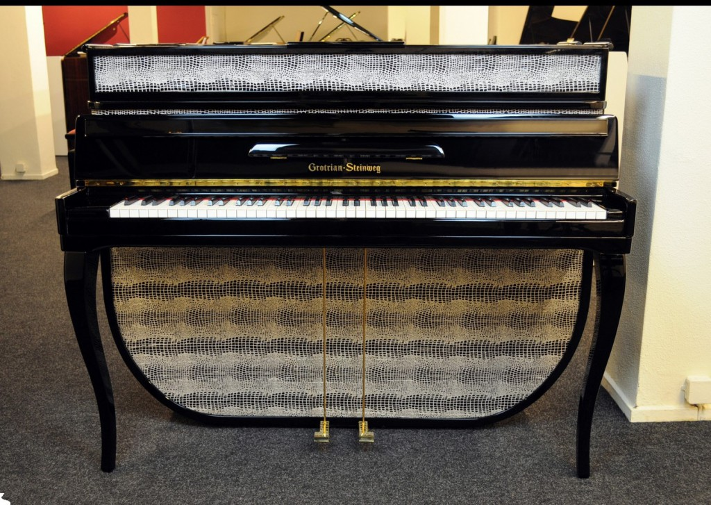 The 1950's style Grotrian-Steinweg Console